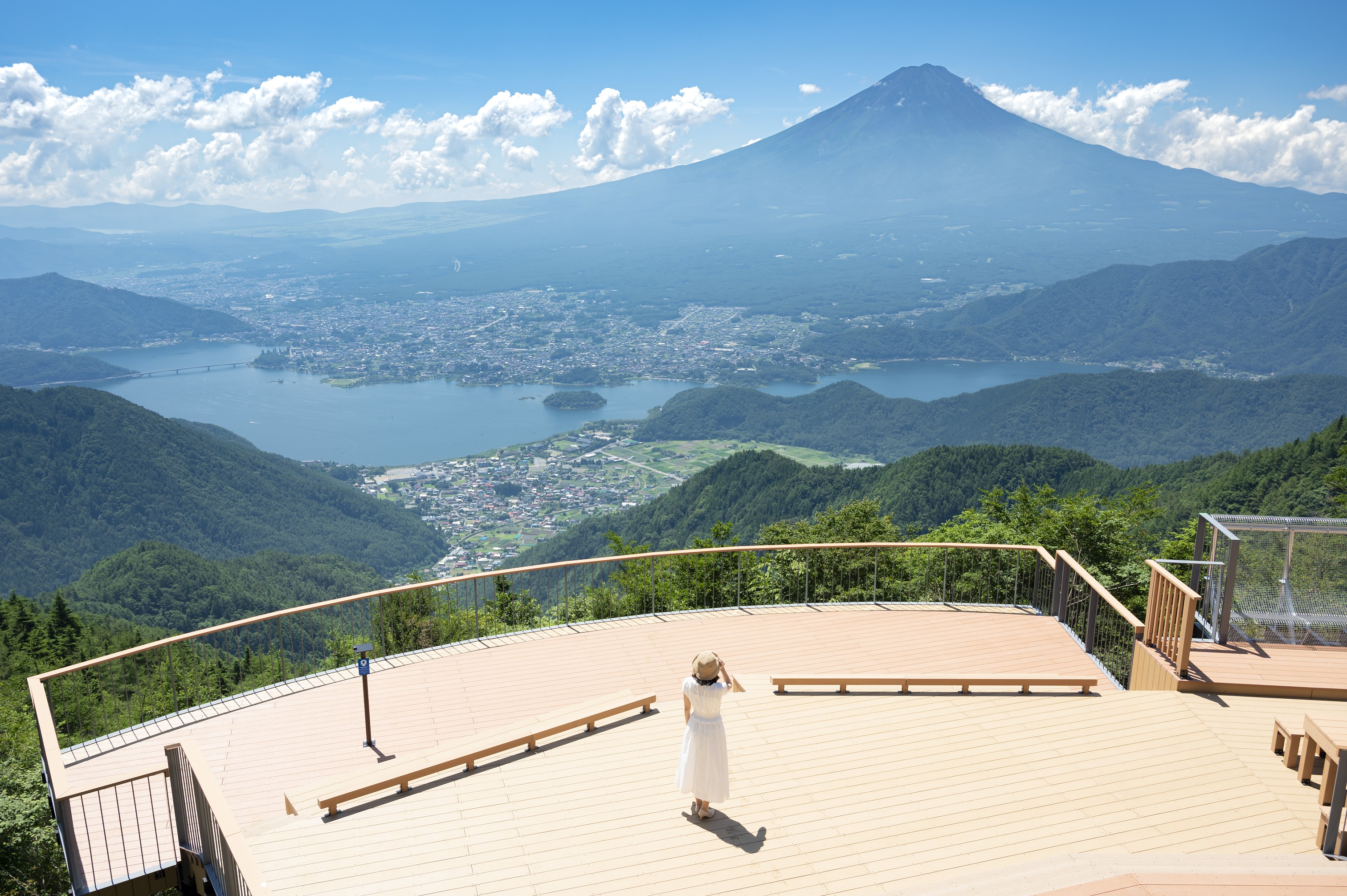 ~新道峠からの富士山眺望スポット~FUJIYAMAツインテラス